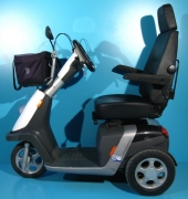 Scuter electric cu 3 roti second hand Handicare Trophy 20 - 12 km/h