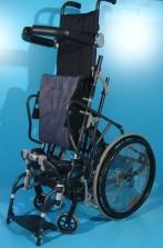 Scaun cu rotile cu verticalizare pentru copii actionat manual