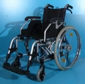 Scaun cu rotile din aluminiu second hand / latime sezut 37 cm
