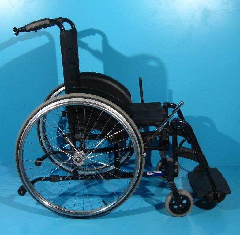 scaun cu rotile de erecție